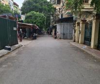 Cho thuê nhà nguyên căn Nguyễn Phong Sắc: DTSD 280m2, đủ điều hoà, giá 25 tr/th (MTG)