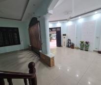 Cho thuê nhà 89 Nguyễn Phong Sắc: DTSD 280m2, 4 tầng, đủ điều hoà, giá 25tr (MTG) - lô góc