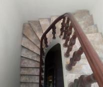 Cho thuê nhà riêng phố Trần Quốc Hoàn: DTSD 250m2, R 4.5m, 5T, giá 18 tr/th (MTG) - SĐT: 0852639807