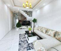Giảm giá mùa dịch cho người có duyên cần bán gấp căn nhà 3 tầng mới xây tại đường Vạn Thành, P5