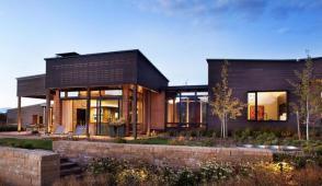 Ngôi nhà xinh đẹp sử dụng năng lượng mặt trời