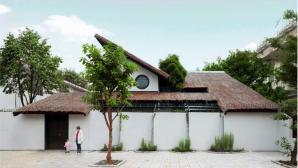 Kiến trúc độc đáo biệt thự mái lá ở Biên Hòa