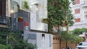 Kiến trúc độc đáo ngôi nhà Hà Nội có mặt tiền hình chiếc khiên