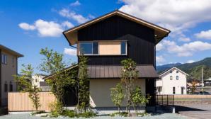 Thiết kế thông minh ngôi nhà 2 tầng của vợ chồng người Nhật