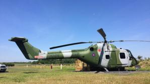 Biến trực thăng thành nơi ở cho 4 người