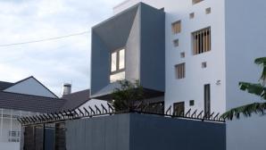 Chiêm ngưỡng ngôi nhà nhiều ô cửa sổ ở Buôn Ma Thuột