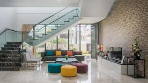 Ngôi nhà 2 tầng thiết kế theo phong cách hiện đại và sang trọng