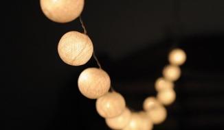 Gợi ý cách trang trí đèn cho không gian ngoài trời thêm đẹp