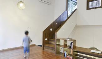 Căn nhà ở Hà Nội với một cầu thang không dẫn đi đâu