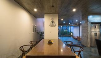 Chiêm ngưỡng ngôi nhà ở Nghệ An có kiến trúc Đông – Tây